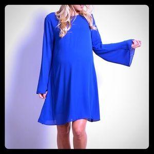 Solid chiffon bell sleeved maternity shift dress